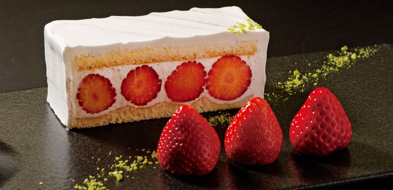 3種の苺を楽しむプレミアムショートケーキ