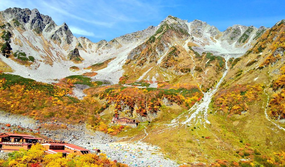 上高地:山の上は紅葉のピーク